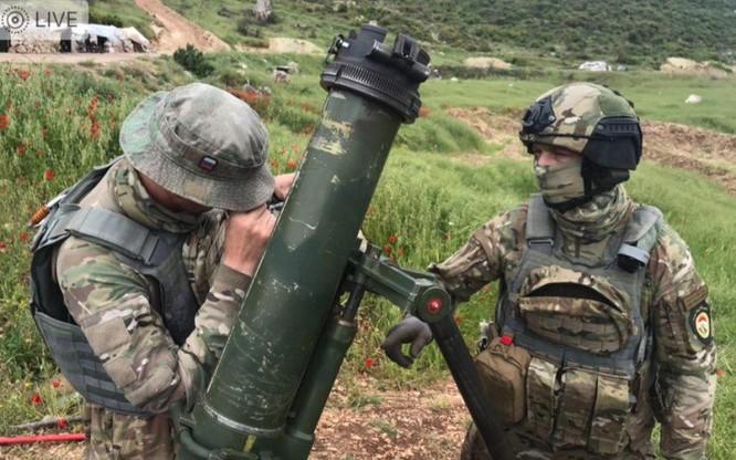 Đặc nhiệm Nga tham chiến trên vùng nông thôn bắc Hama ảnh 4