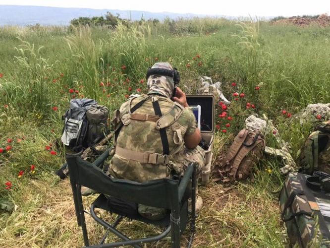 Đặc nhiệm Nga tham chiến trên vùng nông thôn bắc Hama ảnh 7