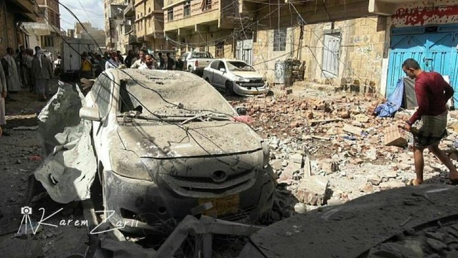 Houthi không kích trạm bơm dầu của Ả rập Xê út, Liên minh vùng Vịnh ném bom dân thường ở thủ đô Yemen ảnh 1