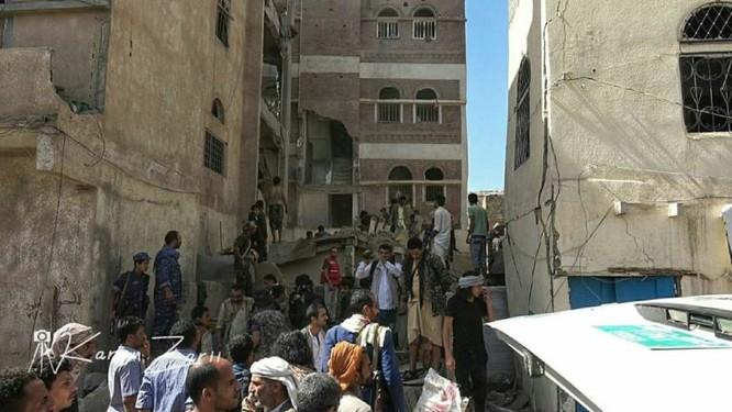 Houthi không kích trạm bơm dầu của Ả rập Xê út, Liên minh vùng Vịnh ném bom dân thường ở thủ đô Yemen ảnh 2