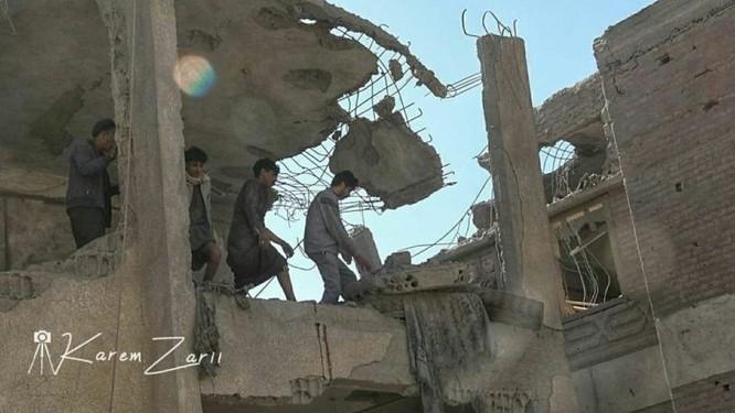 Houthi không kích trạm bơm dầu của Ả rập Xê út, Liên minh vùng Vịnh ném bom dân thường ở thủ đô Yemen ảnh 4