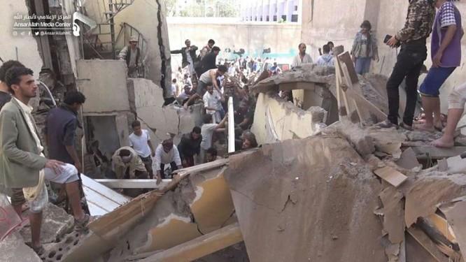 Houthi không kích trạm bơm dầu của Ả rập Xê út, Liên minh vùng Vịnh ném bom dân thường ở thủ đô Yemen ảnh 11