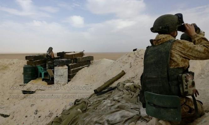Các binh sĩ Nga lại xuất hiện trên sa mạc tỉnh Homs, Deir Ezzor ảnh 3