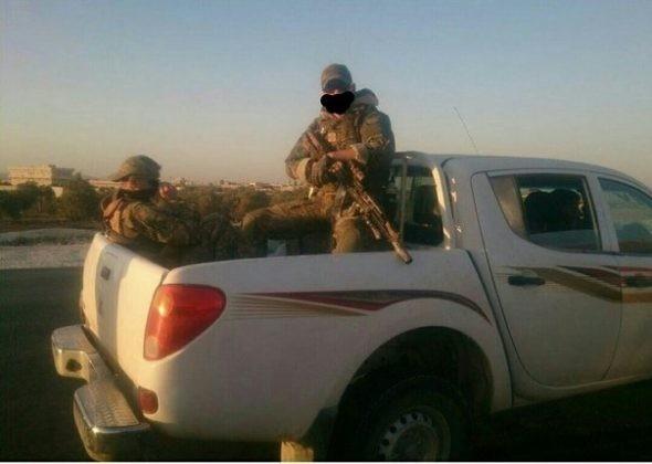 Các binh sĩ Nga lại xuất hiện trên sa mạc tỉnh Homs, Deir Ezzor ảnh 6