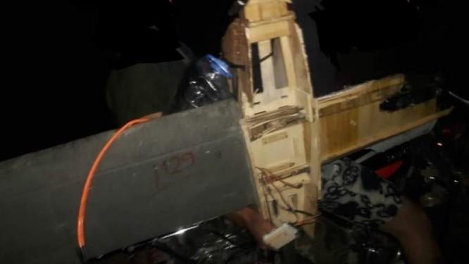 Thánh chiến sử dụng UAV mang bom tấn công căn cứ sân bay Hama Syria ảnh 2
