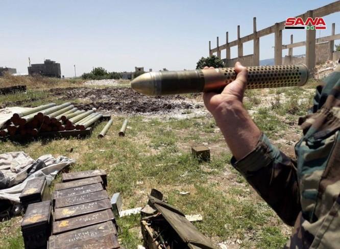 Quân đội Syria lại thu hoạch một kho vũ khí mới của khủng bố ở Hama ảnh 3