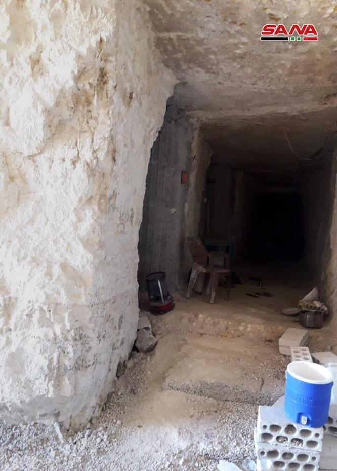 Quân đội Syria lại thu hoạch một kho vũ khí mới của khủng bố ở Hama ảnh 8
