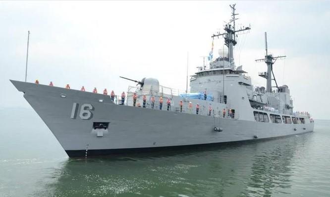Tàu tuần tra lớp Hamilton của Lực lượng bảo vệ bờ biển Mỹ, bàn giao cho Philippines đổi tên thành tàu hộ vệ BRP Ramon Alcaraz. Ảnh: CNA Đài Loan.