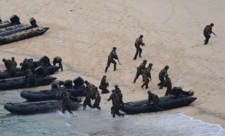 Lực lượng Phòng vệ Biển Nhật Bản tiến hành diễn tập đổ bộ (Ảnh tư liệu).