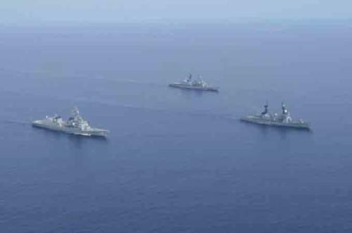 Hải quân Nhật Bản-Philippines tiến hành diễn tập trên Biển Đông. Ảnh: Sina Trung Quốc.
