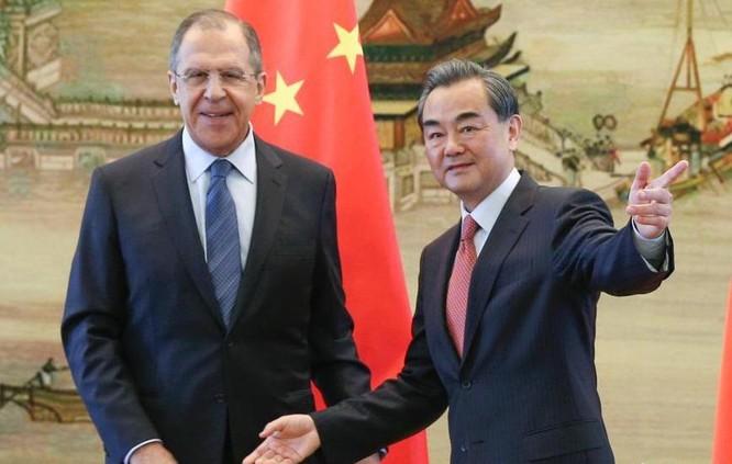 Bộ trưởng Ngoại giao Nga và Trung Quốc tại Bắc Kinh ngày 29/4/2016. Ảnh: Chinanews