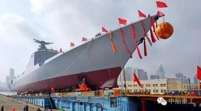 Tàu khu trục tên lửa Thành Đô số hiệu 120 Type 052D Trung Quốc hạ thủy ngày 3/8/2016.