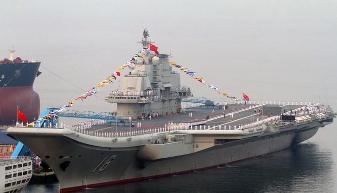 Tàu sân bay Liêu Ninh của quân đội Trung Quốc.