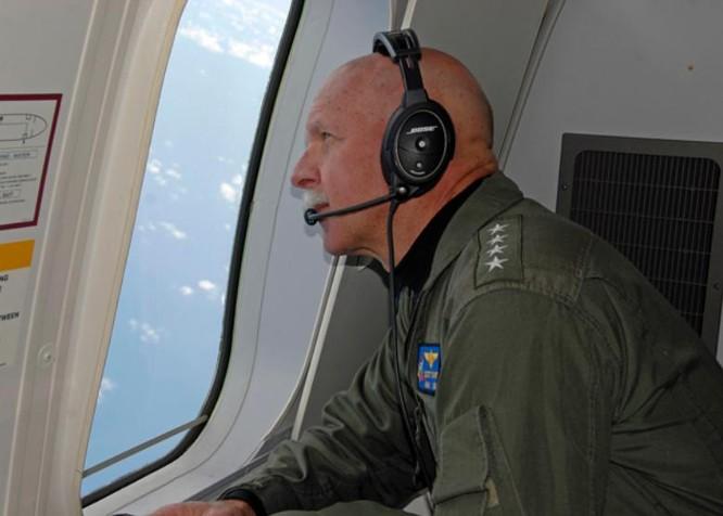 Ngày 18/7/2015, Đô đốc Scott Swift, Tư lệnh Hạm đội Thái Bình Dương đích thân tham gia tuần tra Biển Đông (Ảnh tư liệu)