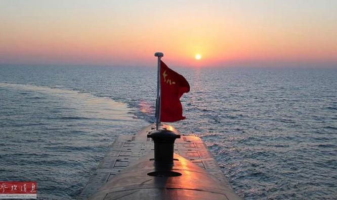 Tàu ngầm hạt nhân chiến lược Hải quân Trung Quốc. Ảnh: Tin tức Tham khảo, Trung Quốc.