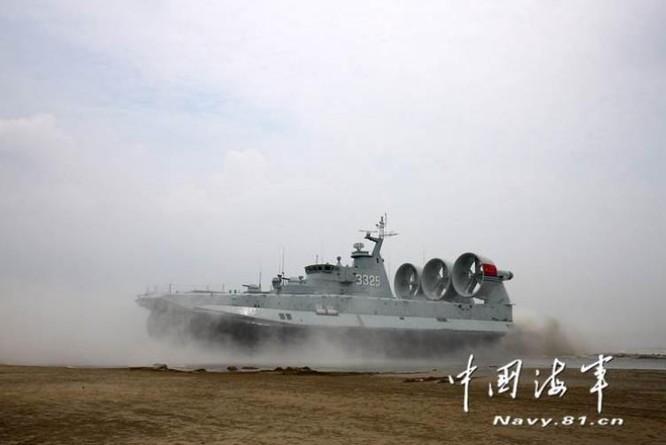 Hạm đội Nam Hải Trung Quốc cho tàu đệm khí Zubr tập trận đánh chiếm đảo tầm xa ở Biển Đông ảnh 5