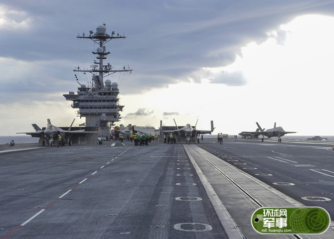 Máy bay chiến đấu tàng hình F-35C cất hạ cánh trên tàu sân bay USS George Washington CVN 73 ngày 15/8/2016. Ảnh: Thời báo Hoàn Cầu, Trung Quốc.