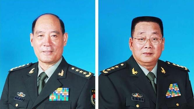 Thượng tướng Lý Kế Nại/nguyên Chủ nhiệm Tổng bộ Chính trị và Thượng tượng Liêu Tích Long/nguyên Bộ trưởng Tổng bộ Hậu cần,Quân đội Trung Quốc. Ảnh: Nam Hoa buổi sáng, Hồng Kông.
