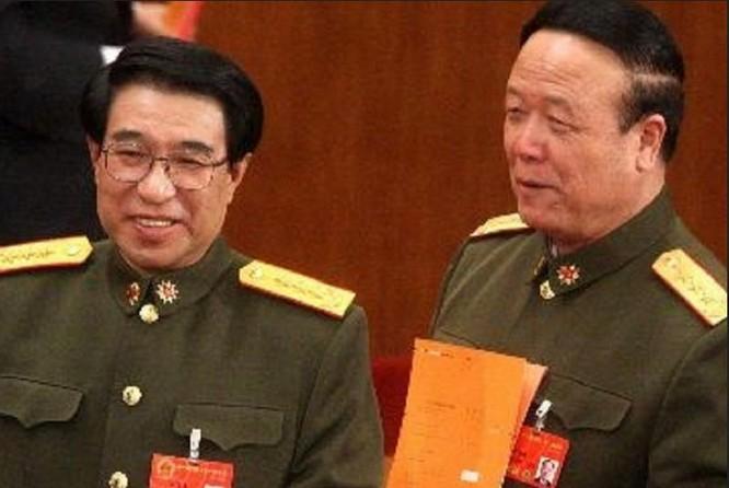 Các Thượng tướng Từ Tài Hậu và Quách Bá Hùng, nguyên Phó Chủ tịch Quân ủy Trung ương Trung Quốc. Ảnh: Caixin