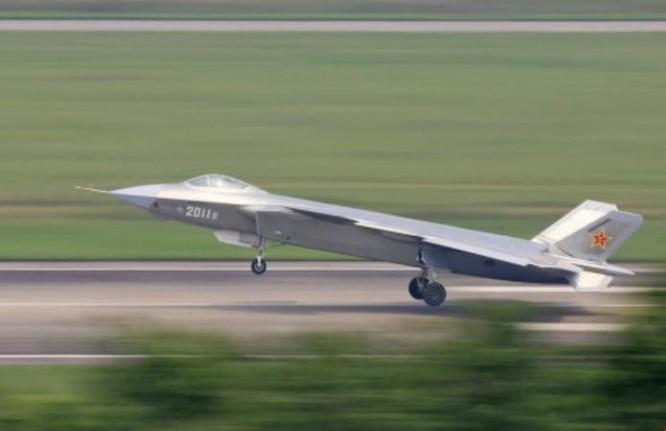 Máy bay chiến đấu J-20 số hiệu 2011 (ảnh tư liệu)