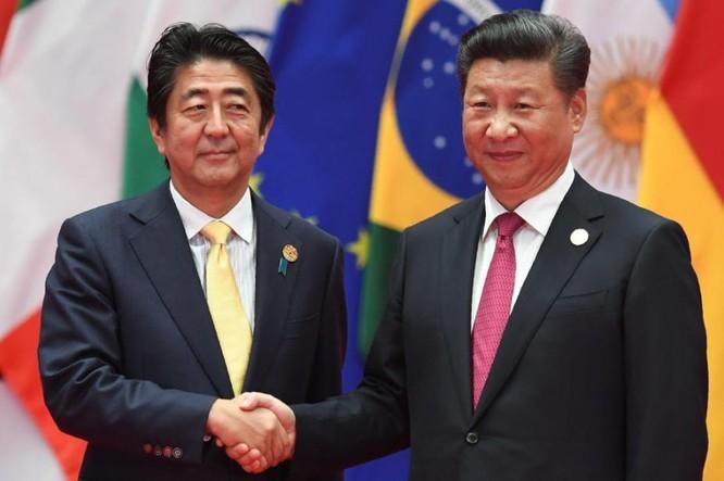 Ngày 5/9/2016, Thủ tướng Shinzo Abe hội đàm với Chủ tịch Trung Quốc Tập Cận Bình sau Lễ bế mạc Hội nghị thượng đỉnh G20. Ảnh: Nam Hoa buổi sáng