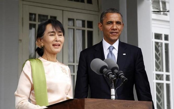 Cố vấn nhà nước Myanmar Aung San Suu Kyi và Tổng thống Mỹ Barack Obama. Ảnh: telegraph.co.uk