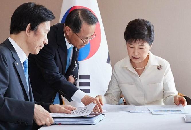 Ngày 9/9/2016, Tổng thống Hàn Quốc bàn cách đối phó với vụ thử hạt nhân của Triều Tiên. Ảnh: Thời báo Hoàn Cầu, Trung Quốc.