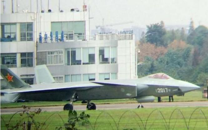 Máy bay chiến đấu J-20 Trung Quốc