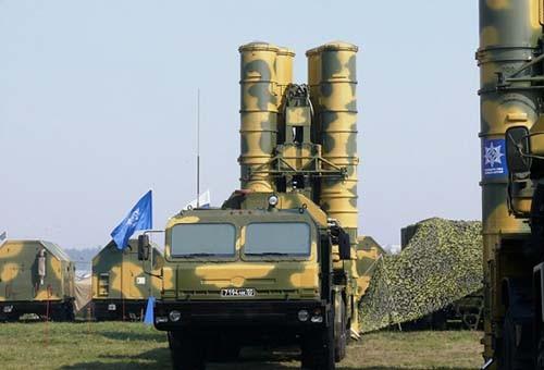 Hệ thống tên lửa phòng không S-400 Nga