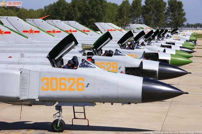 Máy bay chiến đấu J-8F Trung Quốc (ảnh tư liệu)