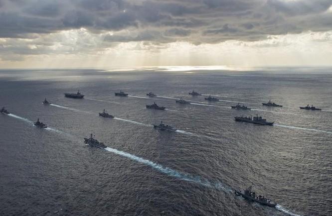 Hạm đội liên hợp Mỹ-Nhật trong một cuộc tập trận chung (ảnh tư liệu)