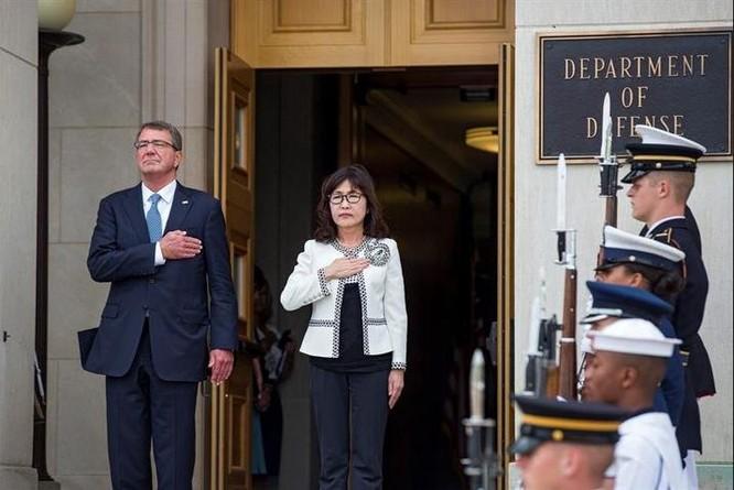 Bộ trưởng Quốc phòng Nhật Bản Tomomi Inada vừa đến thăm Mỹ. Ảnh: Vidalatinasd