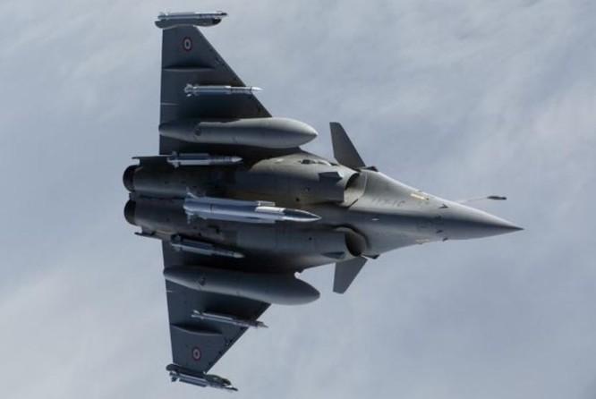Máy bay chiến đấu Rafale Pháp lắp tên lửa hành trình hạt nhân ASMP-A. Ảnh: Tin tức Tham khảo, Trung Quốc.