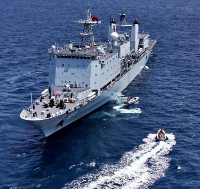 Ngày 16/9/2016, Hải quân Trung Quốc và Nga tiến hành diễn tập khoa mục lục soát bắt giữ liên hợp. Ảnh: Chinanews