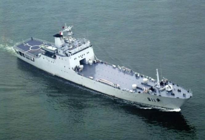 Tàu đổ bộ Type 072A Hải quân Trung Quốc. Ảnh: Guancha