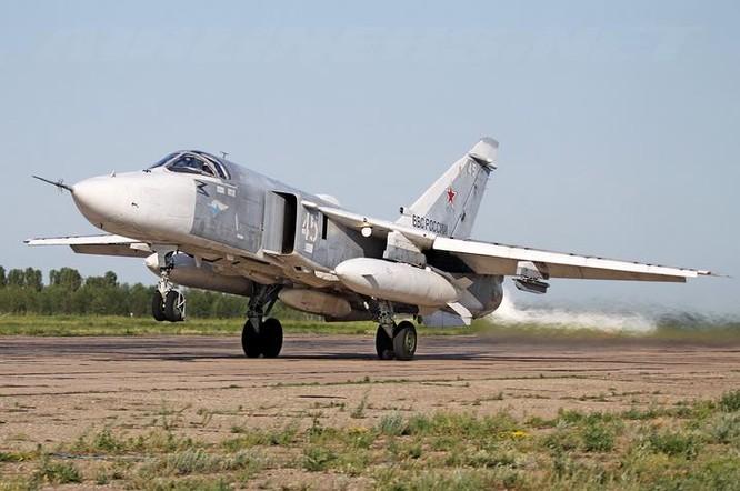 Máy bay trinh sát Su-24MR Nga. Ảnh: airliners.net