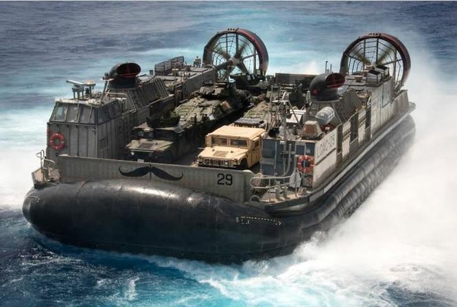 Tàu đệm khí Mỹ. Ảnh: USNI News