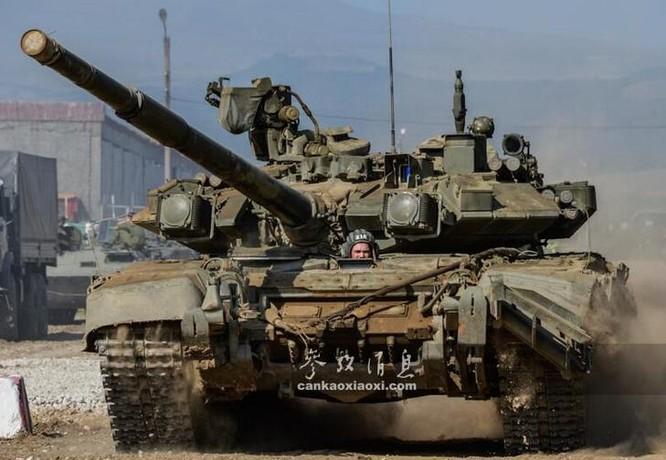Xe tăng chiến đấu T-90 của Quân đội Nga. Ảnh: Cankao