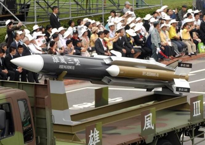 Tên lửa chống hạm siêu âm Hùng Phong-3 Đài Loan. Ảnh: Thời báo New York