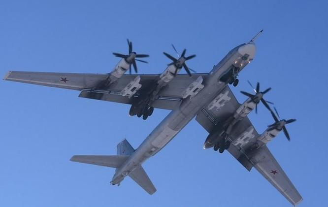 Máy bay ném bom chiến lược Tu-95MS Nga. Ảnh: Sina