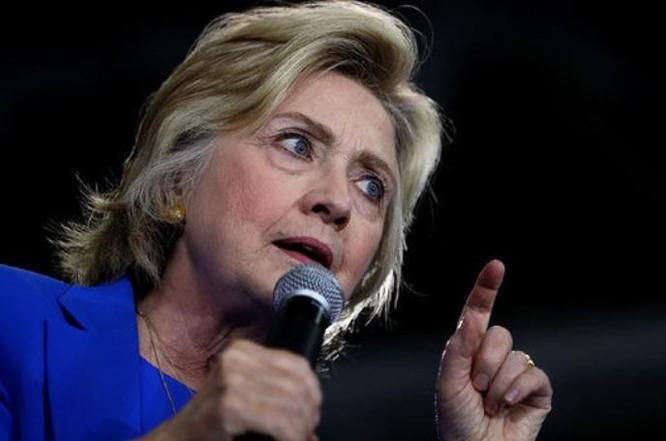 Bà Hillary Clinton, ứng cử viên Tổng thống Mỹ của Đảng Dân chủ. Ảnh: Express