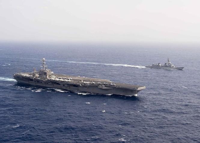 Cụm tấn công tàu sân bay USS John C. Stennis Hải quân Mỹ và tàu chiến Lực lượng Phòng vệ Nhật Bản tiến hành huấn luyện diễn tập ở vùng biển Philippines ngày 23/2/2016. Ảnh: Thời báo Hoàn Cầu.