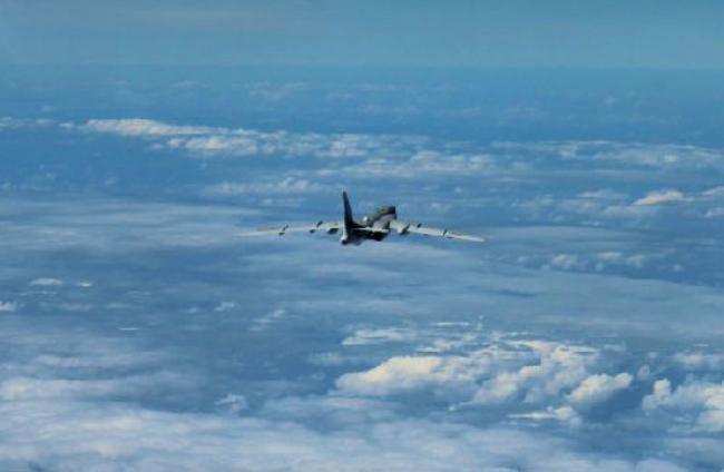 Máy bay ném bom H-6K Không quân Trung Quốc tiến hành