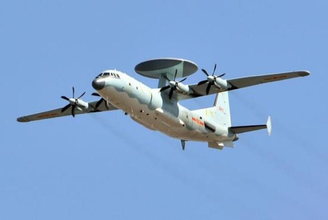 Máy bay cảnh báo sớm KJ-500 Trung Quốc. Ảnh: Cankao