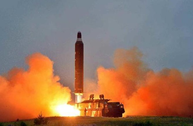 Ngày 23/6/2016, Triều Tiên bắn tên lửa đạn đạo tầm trung Musudan. Ảnh: Sina