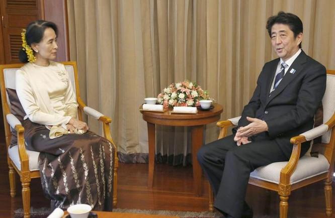 Tháng 4/2013, bà Aung san Suu kyi thăm Nhật Bản. Ảnh: The Japan Times