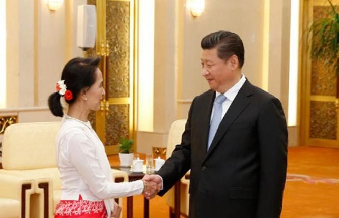 Tháng 8/2016, bà Aung san Suu kyi thăm Trung Quốc. Ảnh: Chinanews