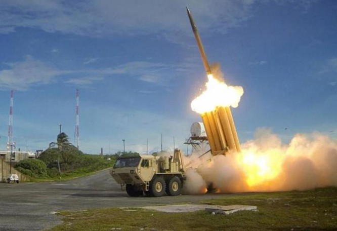 Hệ thống phòng thủ khu vực tầm cao đoạn cuối (THAAD) Mỹ. Ảnh: Reuters