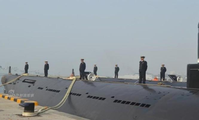 Bangladesh tiếp nhận tàu ngầm diesel-điện Type 035G cũ của Trung Quốc. Ảnh: Sina