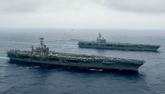 Biên đội hai tàu sân bay Mỹ phô diễn sức mạnh trên Biển Đông. Ảnh: Sina